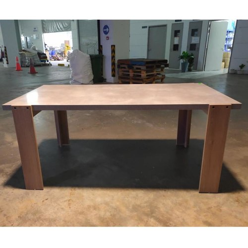 KONKRETE INDUSTRI Series Dining Table