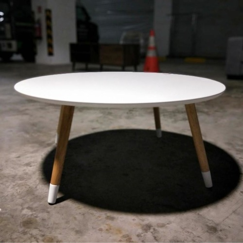MODA Round Table in WHITE