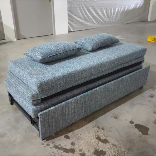 HEST Pull Out Bed