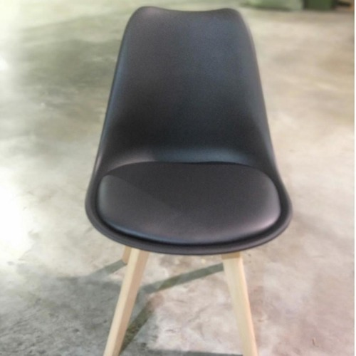 VENZ Designer Chair in BLACK PU with Wooden Frame SET