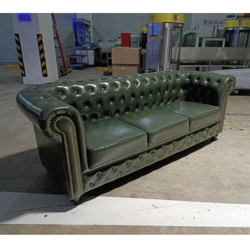 PRE-ORDER SALVADORE X 3 Seater Chesterfield Sofa in EMERALD GREEN PUB- Delivery Early Nov 21