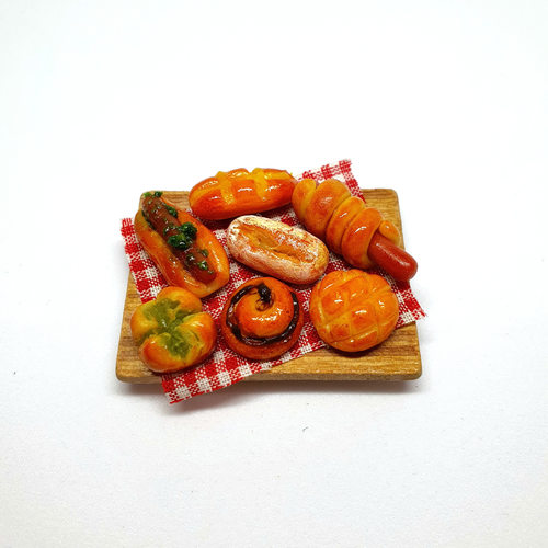 Handmade Miniature: Bread (w/ magnet) by Madam Ang Miniature World