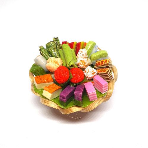Handmade Miniature Nyonya Kueh by Madam Ang Miniature World
