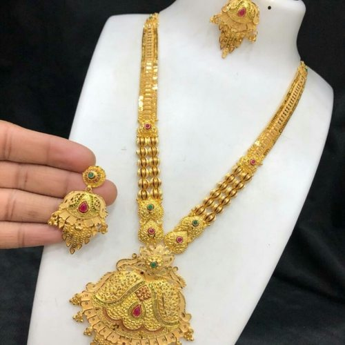 FORMING NECKLACE 5