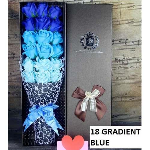 18 Blue flower bouquet