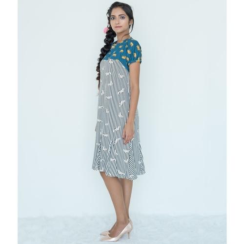 Printed gusset dress
