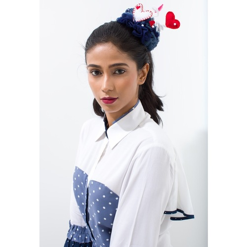 Bustier heart patch cotton shirt with tie-up