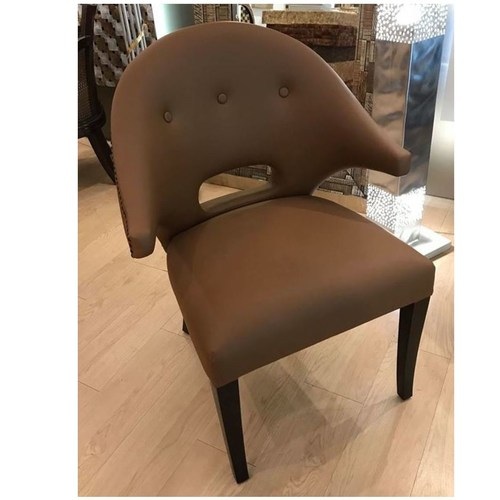 GRAND BROWN DINING CHAIR