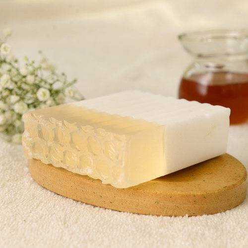 Woods and petals - country honey coconut soap - 01.jpg