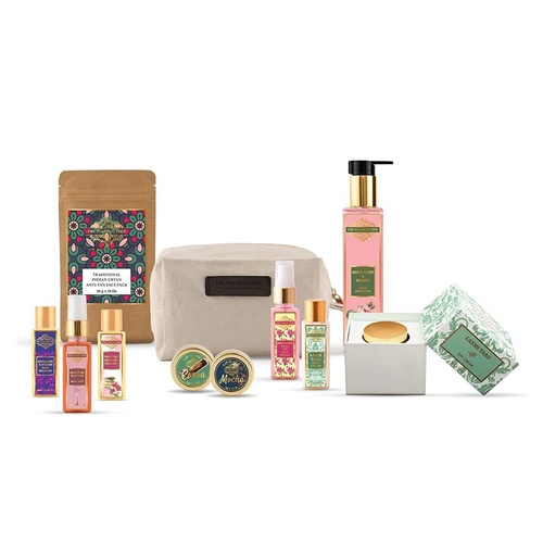 The Paradise Trees Signature Bag with 10 Luxurious Herbal Skin and Hair care minis 560g