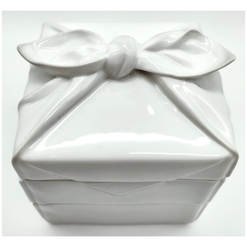 Green White Cloth-Wrapped Lunch Box