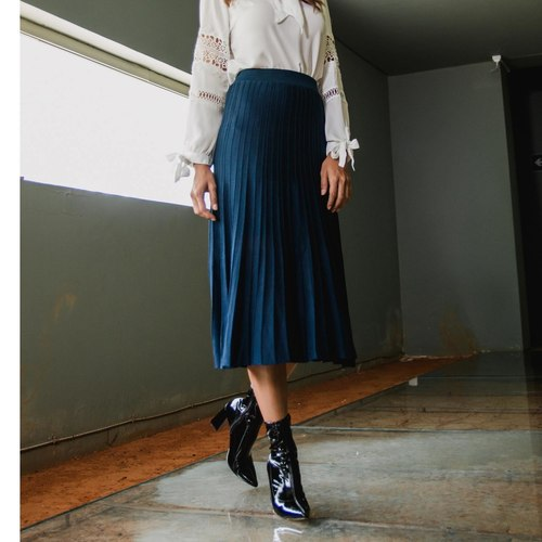 Skirt with Pleats Dry Clean